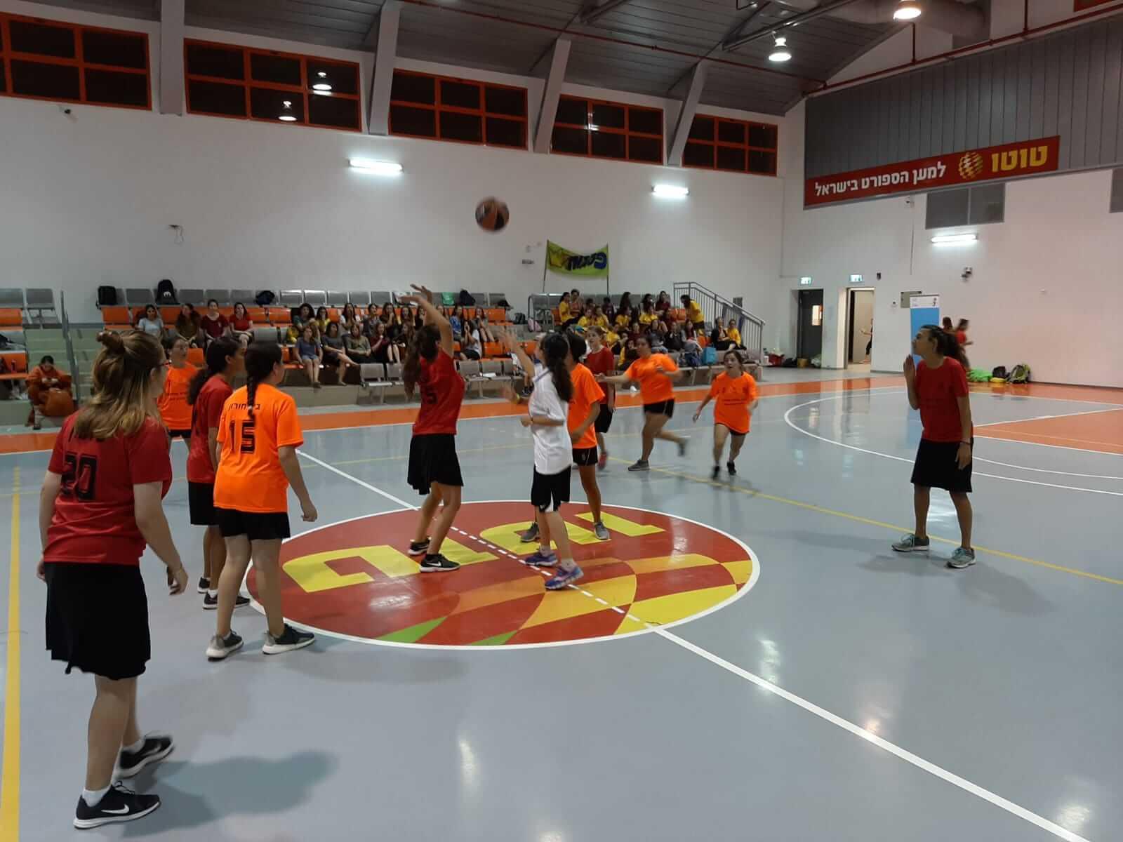 כדורסל בנות